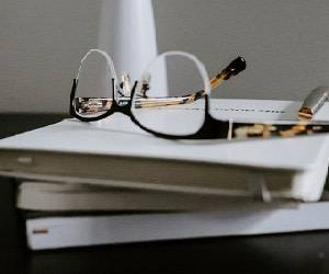 معرفی 4 رمان خودآموز با موضوعی گیرا و دلنشین درباره هستی 1