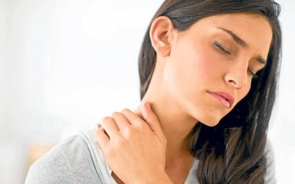 گردن و شانه درد