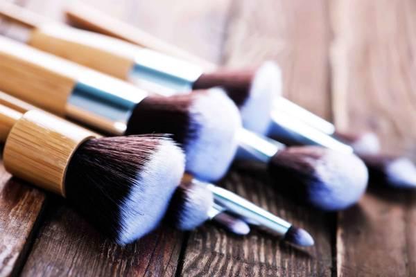 شستن قلموی آرایشی