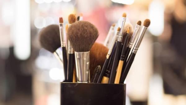 روش پاک کردن برس آرایشی