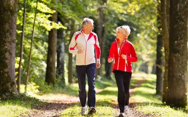 پیاده روی برای افراد مسن