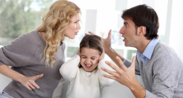 رفتار نامناسب والدین