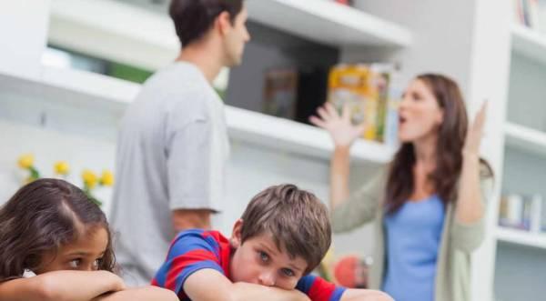 رفتار بد والدین