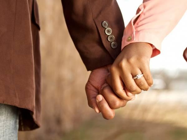 عوارض رابطه در نامزدی