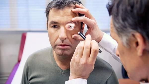 چشم درد بعد از خواب