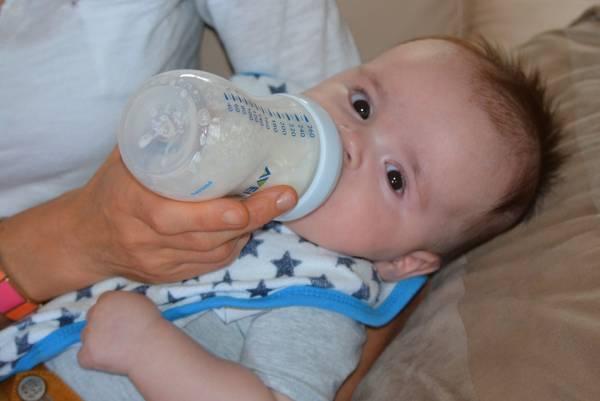 نشانه گرسنگی نوزاد