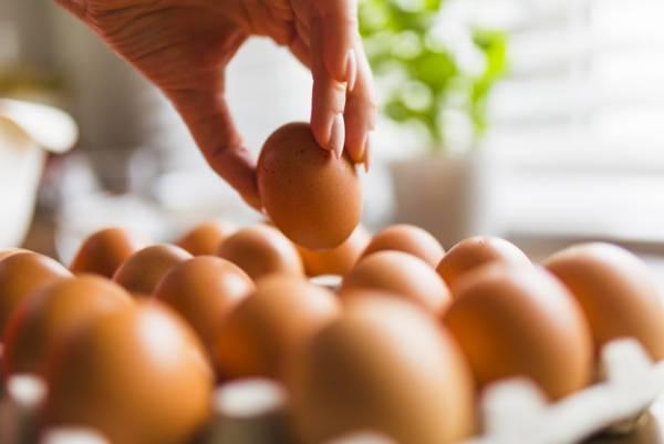 تخم مرغ برای ابرو