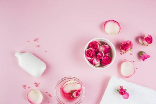 گلاب برای پوست