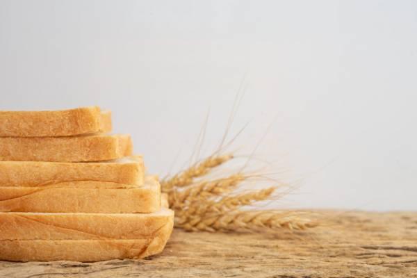 چگونه نان باگت را نرم کنیم, مدت زمان نگهداری نان در فریزر, نگهداری نان جو, نگهداری نان, تاریخ انقضای نان تست, آیا نان فریز شده ضرر دارد, مدت زمان نگهداری نان تست در فریزر, بهترین روش بسته بندی نان, با نون باگت خشک شده چی درست کنم, تازه ماندن نون, نان در چه محیطی زودتر کپک می زند, چگونه نان خشک را نرم کنیم, نگهداری درست از نان