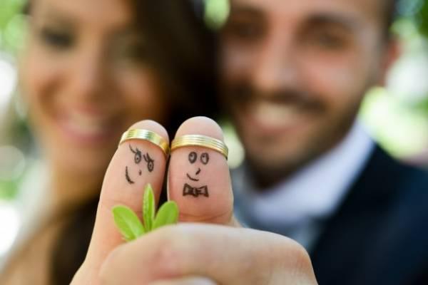 ننداختن حلقه ازدواج