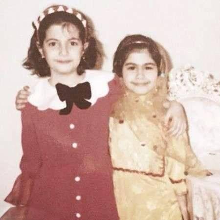 یاسمینا باهر و خواهرش