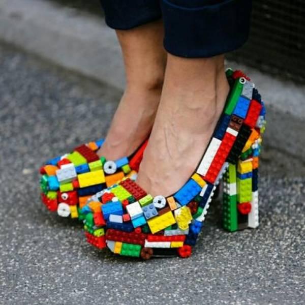 کفش اسباب بازی