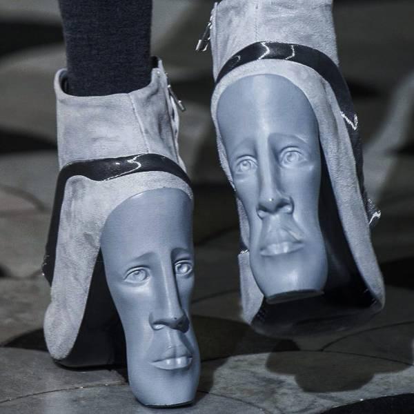 پشانه کفش انسان