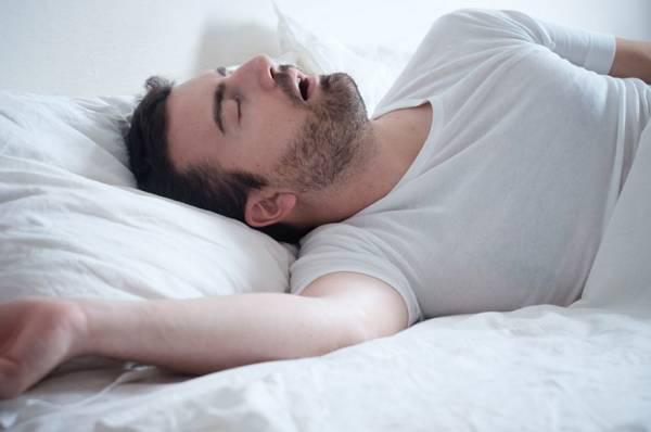 خوابیدن با دهان باز