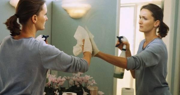 تمیز کردن لبه آینه