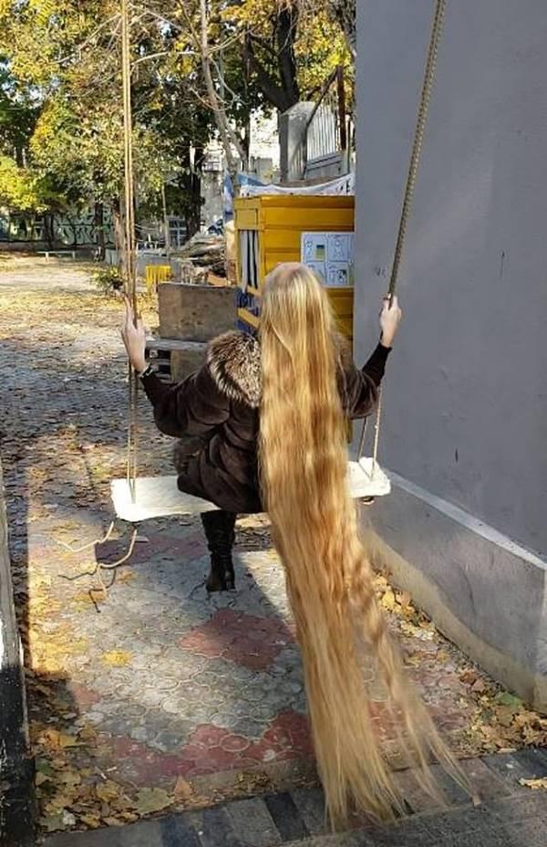 دختری که موهایش را 28 سال کوتاه نکرد