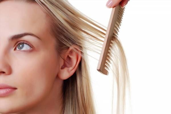 فواید و خواص روغن رزماری برای مو