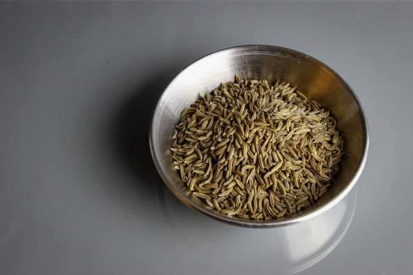 دانه های زیره سیاه