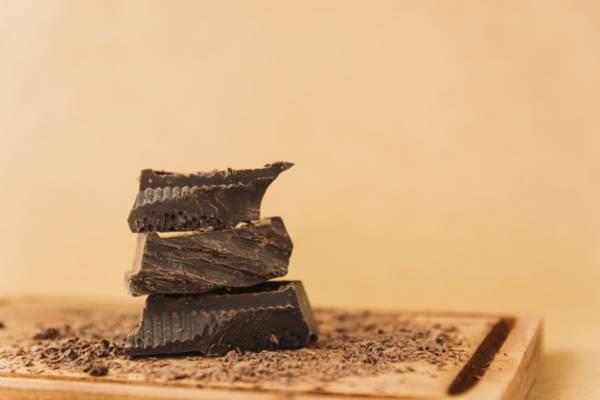 خواص شکلات شیرین