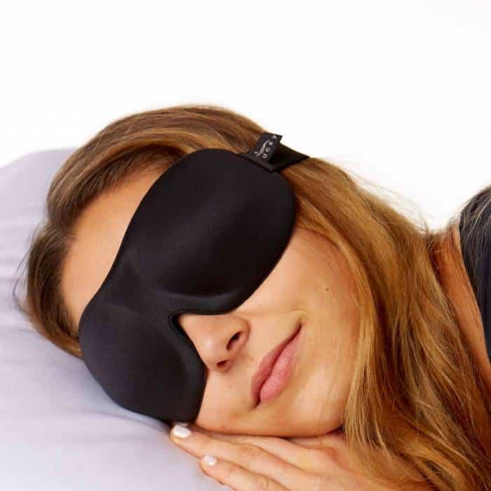 مزایای چشم بند خواب