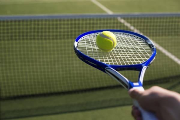 همه چیز درباره قوانین و اصول و ابزار ورزش تنیس خاکی و چمن