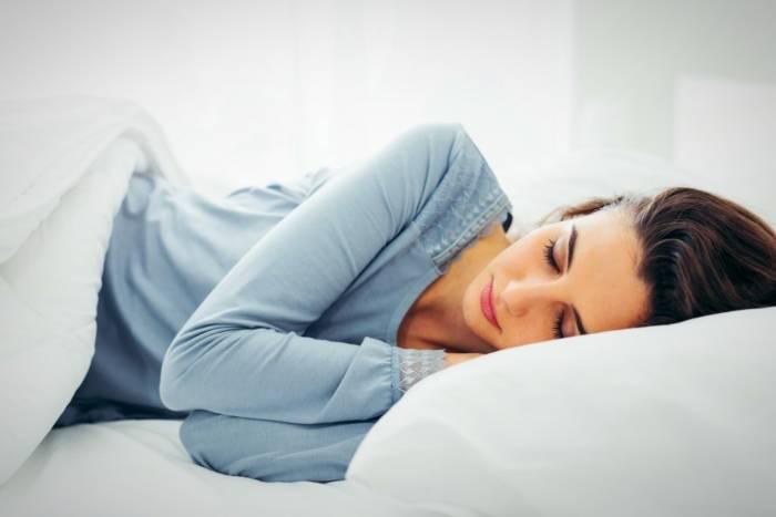 طرز خوابیدن در دوران قاعدگی
