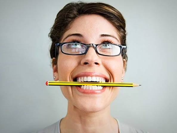 مداد بین دندان