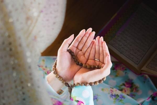 خواندن سوره و دعا