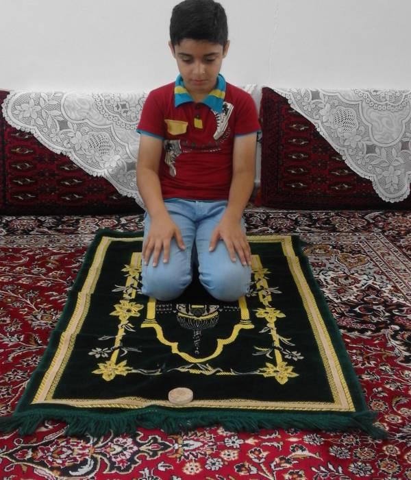 رفتار با جوان بی نماز