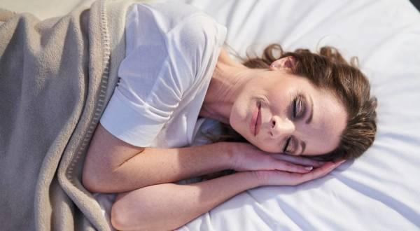 تاثیر بالش در خواب