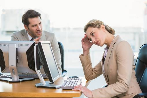 شکایت در مورد همکار