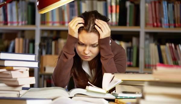 خواب آلودگی درس خواندن