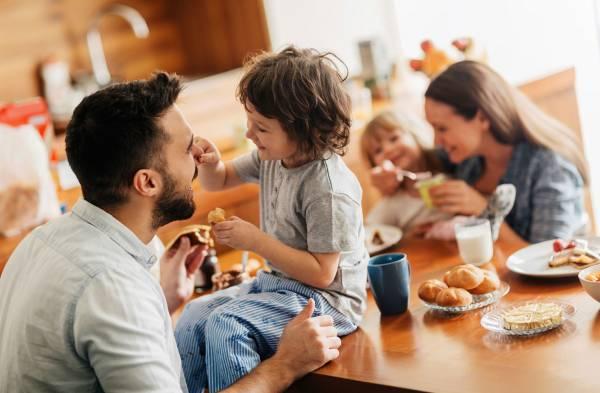 غذا خوردن با کودک