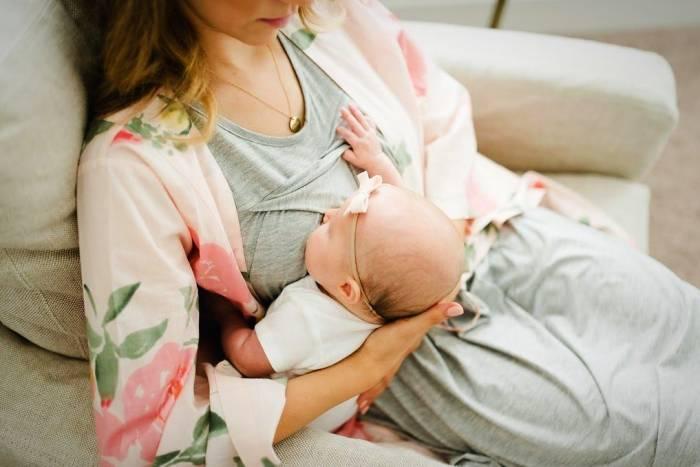شیر دادن به نوزاد