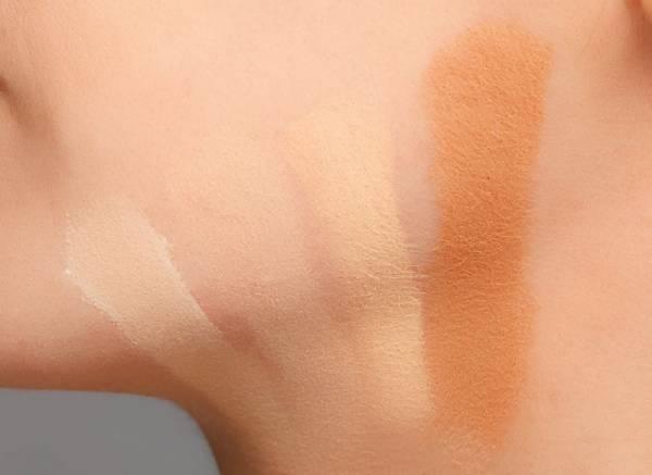 تست کرم پودر از تکنیک های آرایش حرفه ای در خانه + تصاویر