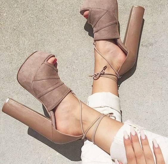 کفش پاشنه 10 سانتی