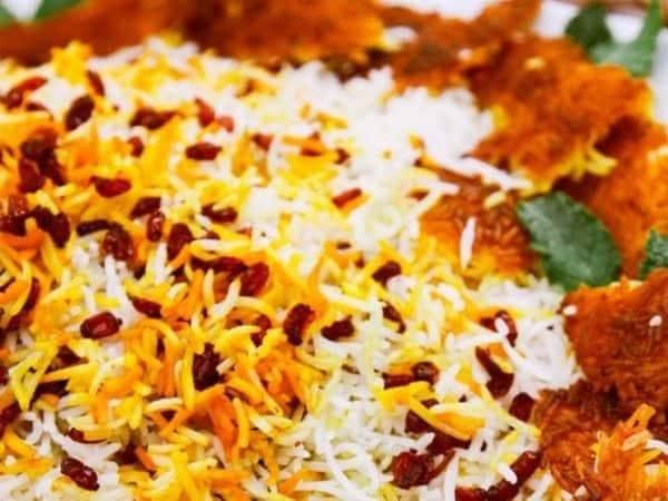 """زرشک پلو با مرغ"""" ، طعمی اصیل در میان غذاهای ایرانی"""