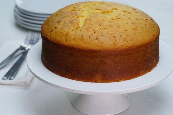 Sponge vanilla cake