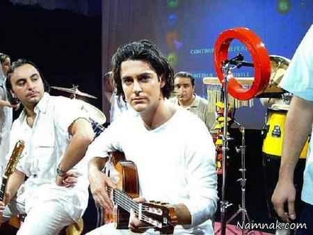 گیتار زدن محمدرضا گلزار در گروه آرین
