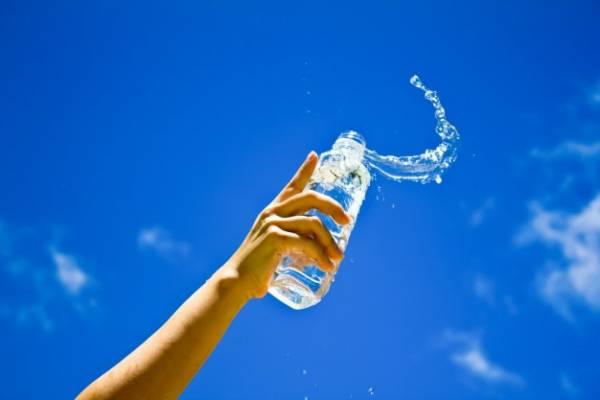 آب نوشیدنی