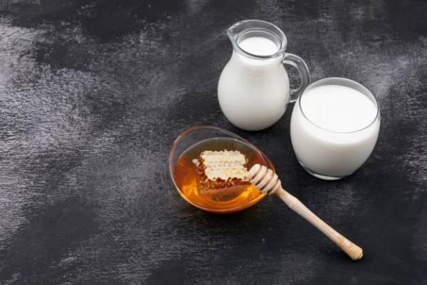 فواید شیر و عسل
