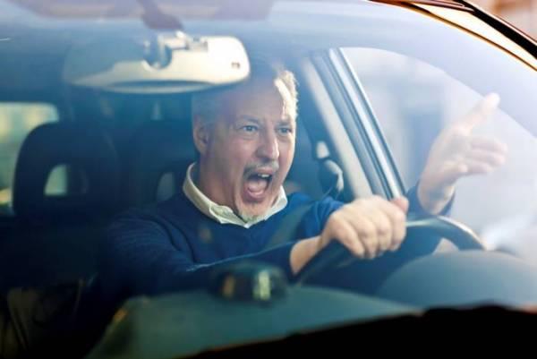 بی ادبی در رانندگی