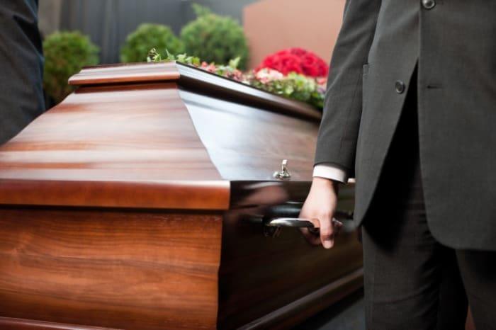 لحظه مردن انسان چه اتفاقی می افتد؟