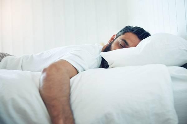 خوابیدن روی شکم