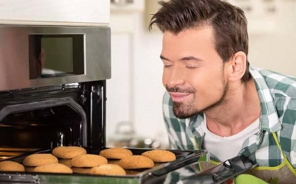 بوییدن مواد غذایی