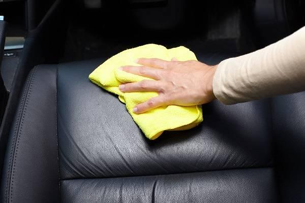 پاک کردن صندلی