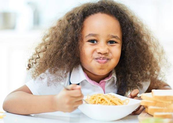 علت پرخوری کودکان