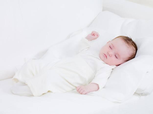 خوابیدن نوزاد