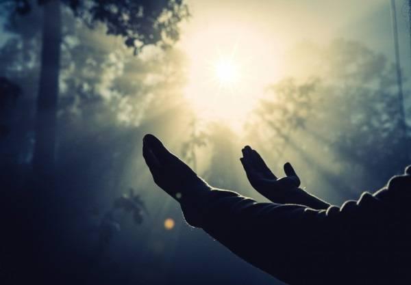دعای عزیز شدن پیش شوهر خانواده اش