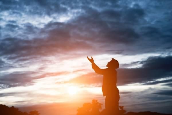 اعمالی برای شادی روح والدین و اموات